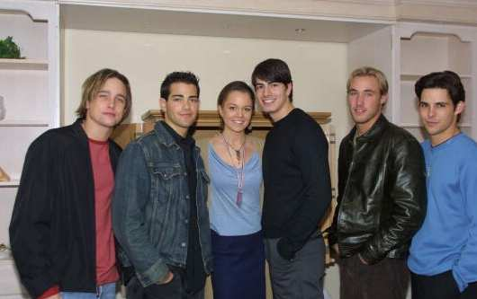 BRANDON ROUTH Y AMIGOS 2001